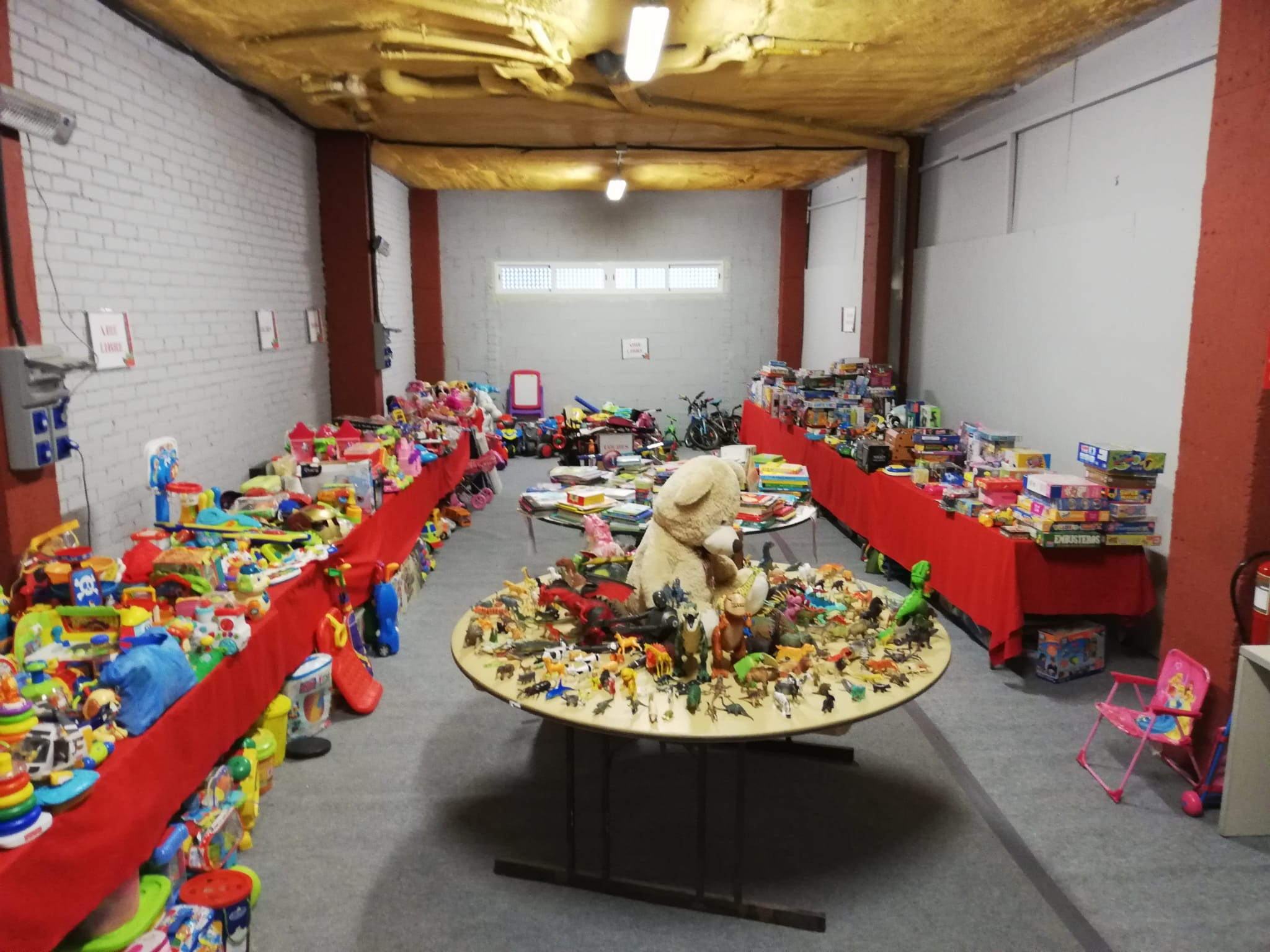 La campaña 'Ningún niño, ninguna niña sin juguete' recoge 10.000 juguetes para familias del municipio con menos recursos